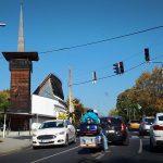 Teljesen lezárták Budakeszi főutcáját – Közlekedés helyett inkább sörözzenek az arra járók