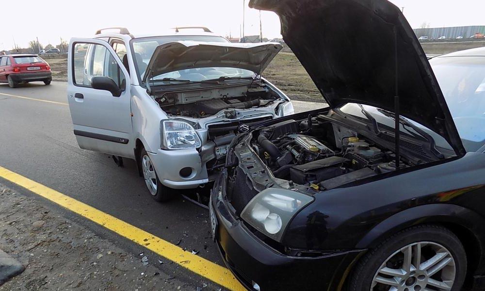 Opellel ütközött a Suzuki Gyömrőn, egy ember megsérült