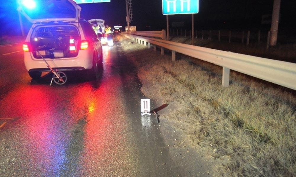 Elgázoltak egy embert az M1-es autópályán, óriási még éjszaka is a torlódás