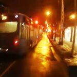A buszsofőr háromszor is leszorította a biciklist, majd elütötte – Videó