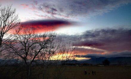 Alkony Pannóniatelepen – lila és bíbor felhők Szentendre felett