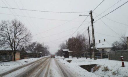 Hóhelyzet van az agglomerációban – balesetek, torlódások mindenfelé