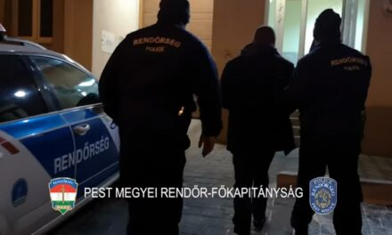 Kiraboltak egy taxist Monoron, késsel akarták leszúrni