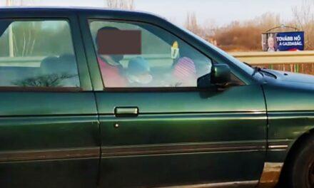 Egy újabb idióta autós – Az M0-áson az ölében utaztatta a kisgyermeket a sofőr (Videó)