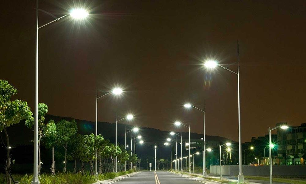Több ezer LED-lámpával korszerűsödik a budapesti közvilágítás