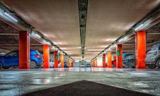 Óránként 700 forintra emelik a parkolási díjat az egyik bevásárlóközpontban