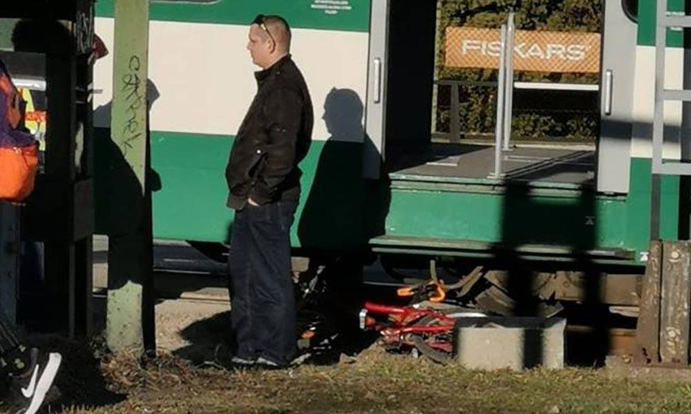 Bicikliző gyermeket sodort el a HÉV, teljesen leállították közlekedést a vonalon