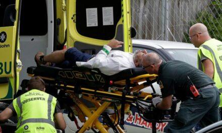 Döbbenetes: Az egyik agglomerációs városunk nevét is felírta az új-zélandi lövöldöző a fegyverére