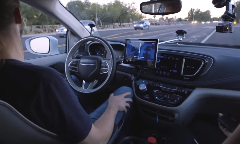 Önvezető autók: az agglomeráció útjait működtető vállalatnál megkezdődött a felkészülés