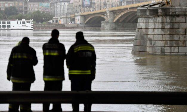 Minden fontos, amit a dunai hajókatasztrófáról tudni kell (Videó)