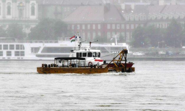 Dunai hajókatasztrófa: hajózási zárlat, pontonhíd és a vezető politikusok reakciója
