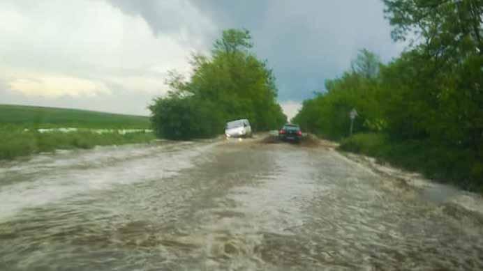 Felhőszakadás: Szinte mindenhol problémát okozott az év első intenzív esőzése az agglomerációban