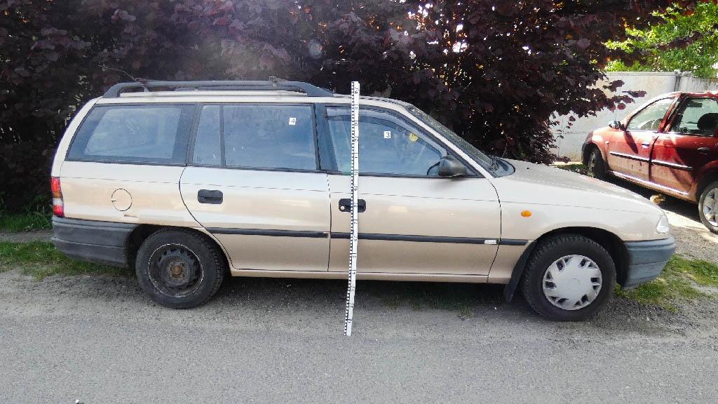 Hét autót tört fel Monoron egy tinikből álló banda
