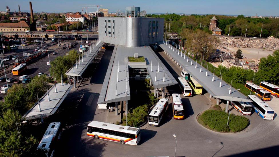 Robbantással fenyegetőzött egy férfi a népligeti autóbusz-pályaudvaron