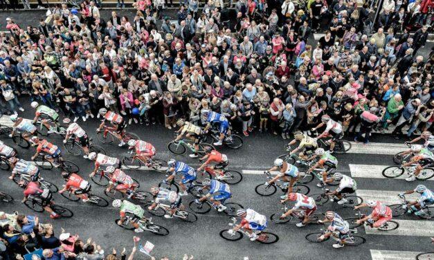Hoppá! Az agglomaráción is áthalad a világ egyik legnépszerűbb kerékpárversenye az olasz Giro d'Italia
