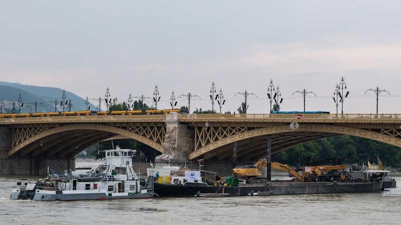 Dunai hajóbaleset – Szlovák segítséggel gyorsítják a Duna apadását