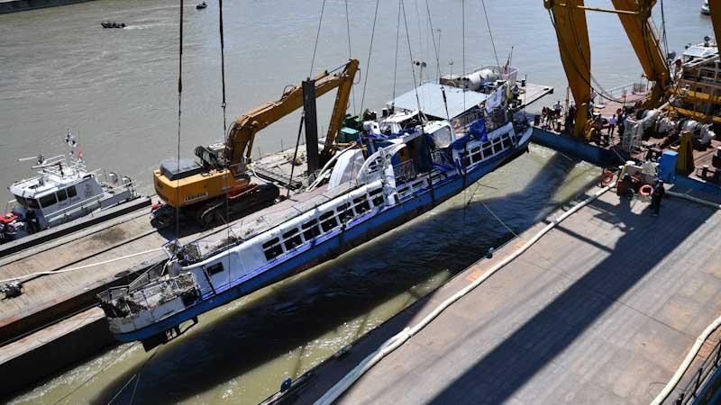 Dunai hajóbaleset: Megfeszültek a daru acélsodronyai és előbukkant a Hableány
