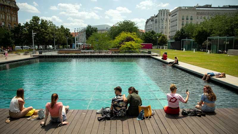 Nagy változás közeledik: Hőhullámok és forróság vár Budapestre és környékére