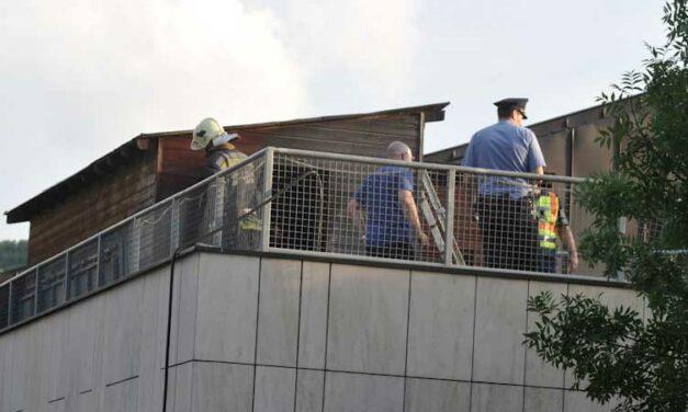 Egy gyerek meghalt a MOM sportközpont tetején keletkezett tűzben