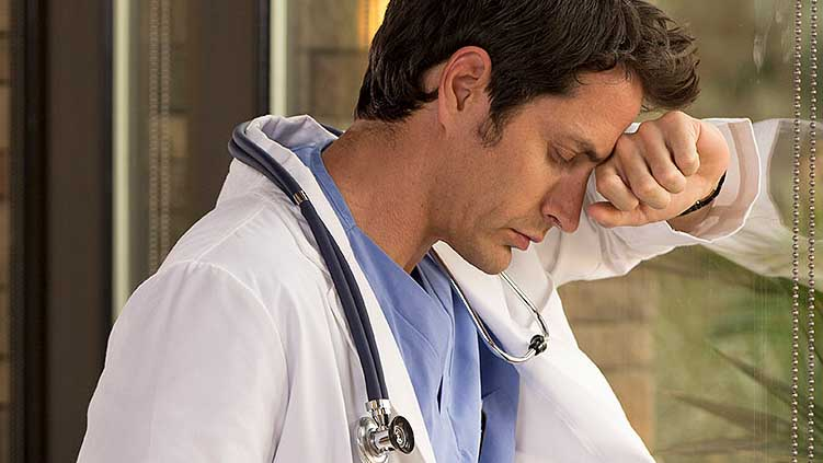 Hétfőn jobb lesz elkerülni az orvost és a patikákat