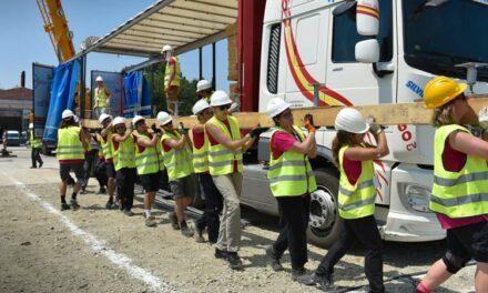 Elkezdődött a szupermodern, energiahatékony házak építése Szentendrén