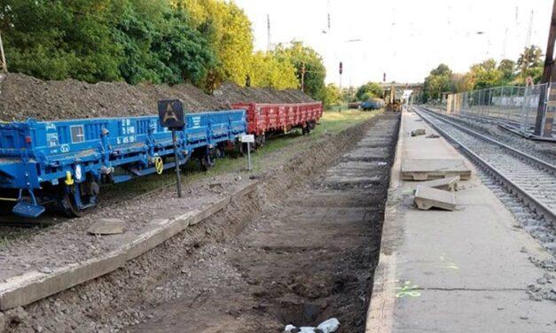 Több elővárosi vasútvonalat is teljesen lezárnak csütörtökön