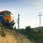 A szakadék peremén állt meg az Érdnél kisiklott vonat