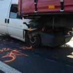 Lefékezett a kamion az M0-áson a Citroen pedig alágyűrődött