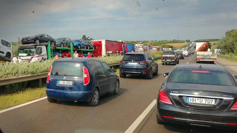 Négy autó ütközött Budaörsnél az M1-esen