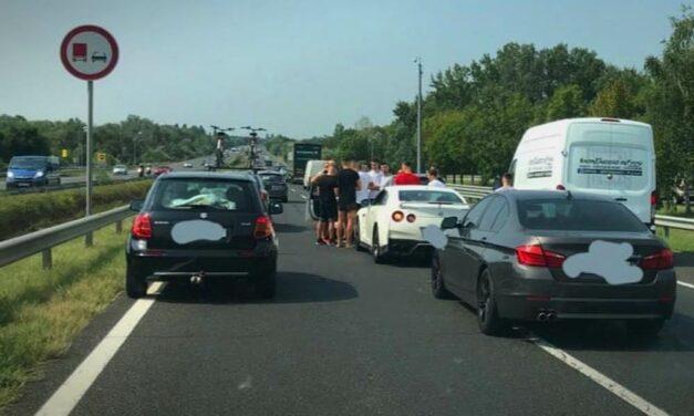 Öt autó ütközött az M1-es autópályán