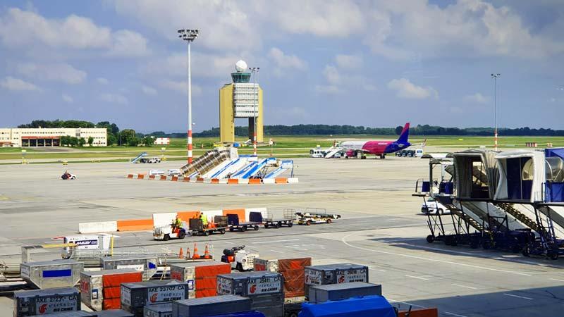 Százmilliárdokért visszavásárolná egy kormányközeli cégcsoport a ferihegyi repteret a jelenlegi külföldi tulajdonosától