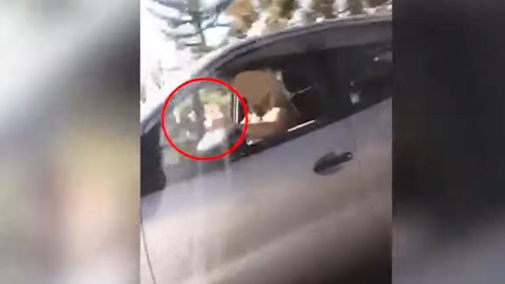 Balesetveszélyt okozott egy szelfiző sofőr az agglomerációban
