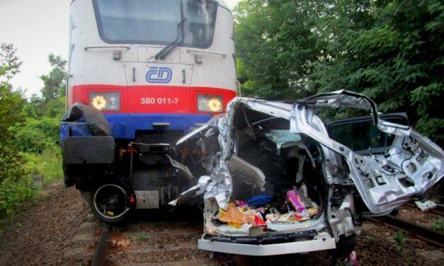 Baleset miatt teljesen leállt a vonatközlekedés a nagymarosi vonalon – hárman meghaltak