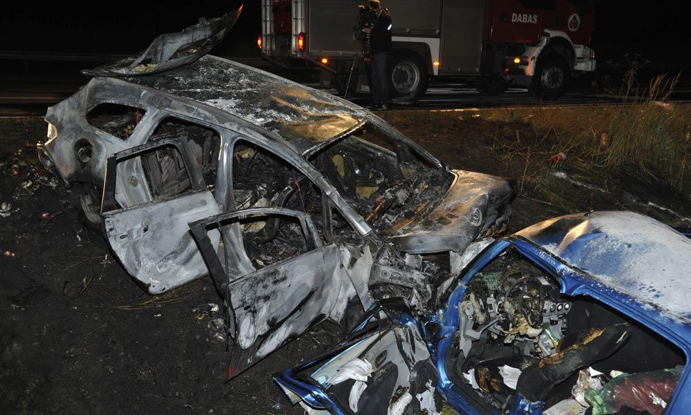 Borzalmas tragédia! Anya és gyermeke halt meg, forgalommal szemben mentek az autópályán