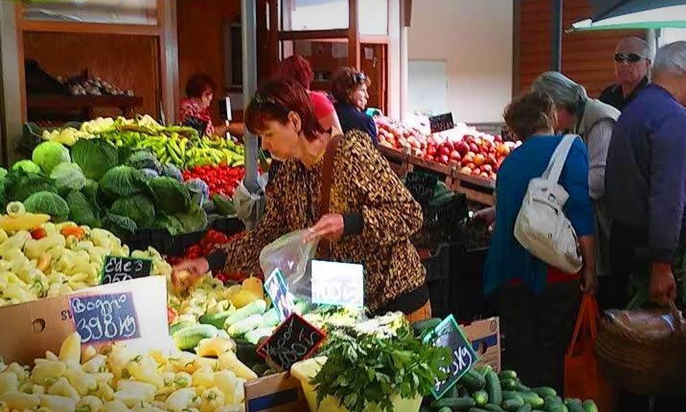 Áll a bál Gödöllőn a termelői piac miatt