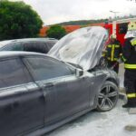 Kiégett egy BMW az M1 Premier Outlet parkolójában