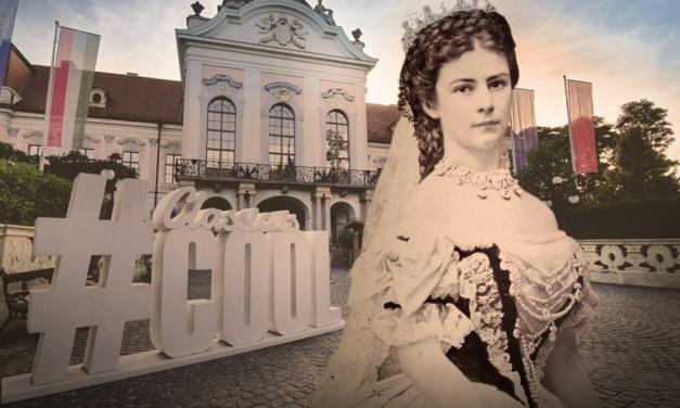 Erzsébet királyné, Sissi is szelfizne most Gödöllőn