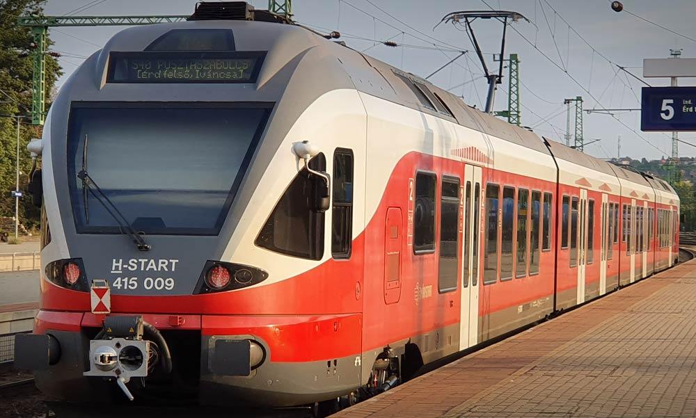 Jegy nélkül utazhatnak a vonatokon egész nap az autósok
