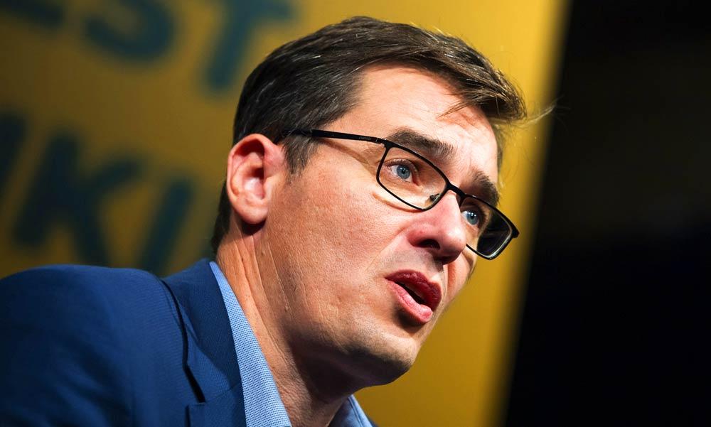 A főpolgármester támogatja a kormány rendkívüli intézkedéseit, de időkorlátot akar