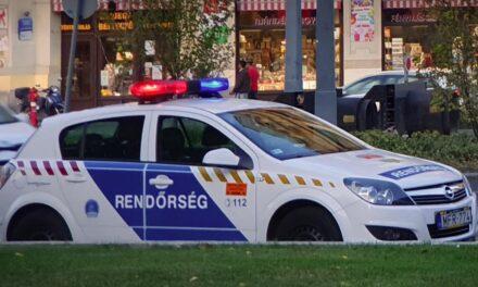 Baseballütökkel támadtak egy fodrászra, a vendégek az utcára menekültek