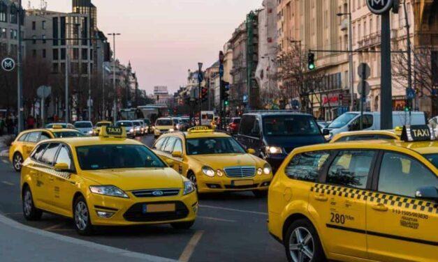 Ingyen fuvaroznak a taxisok Mindenszentekkor