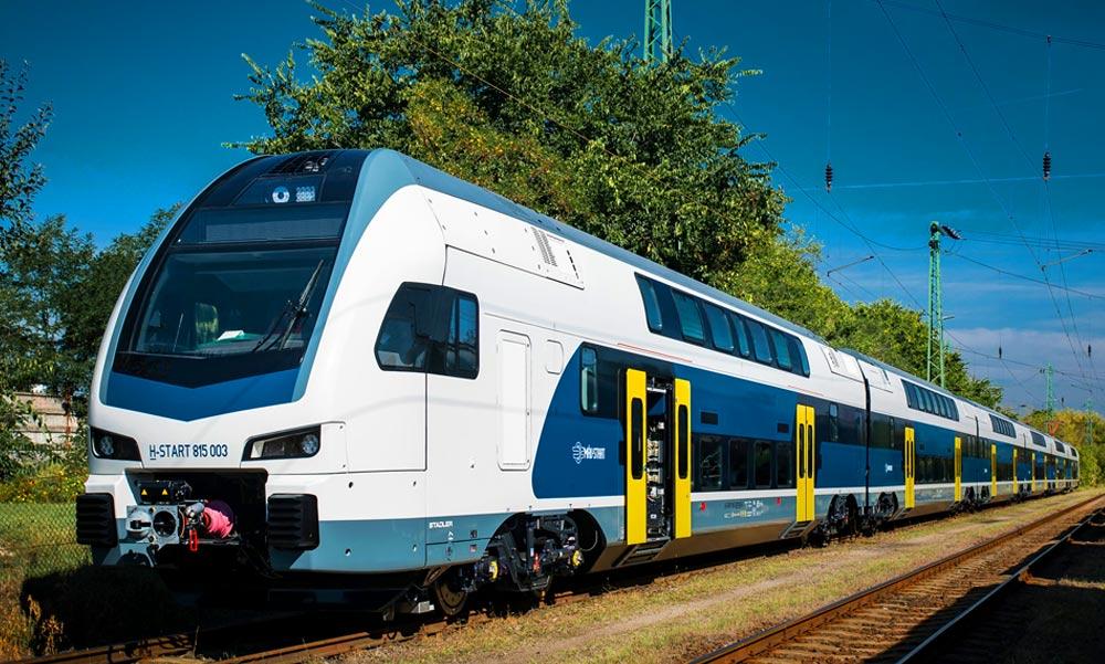 Újra utazhatunk a KISS emeletes vonatokkal, sokan örülnek a szép új szerelvényeknek