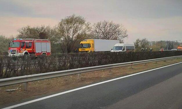 Halálos baleset az M7-es, hárman koccantak az M0-áson