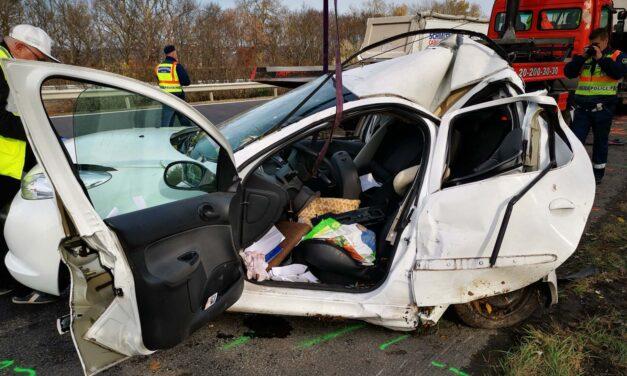 M7-es baleset: egy 88 éves pap vesztette életét