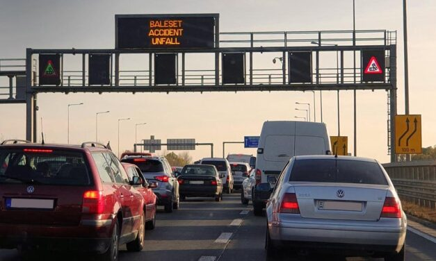 Két baleset is történt az M7-es autópályán, torlódik a forgalom