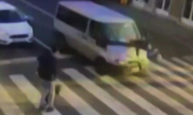 Videón ahogy a furgon elgázolja a nőt a váci zebrán. Már van olyan megoldás, amely segít elkerülni az ilyen baleseteket