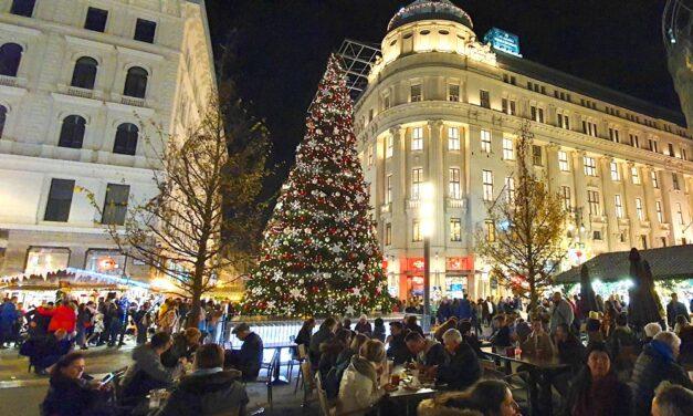 Nem lesznek karácsonyi fényfüzérek az Andrássy úton, változás lesz a Vörösmarty téren is