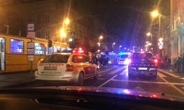 Szörnyű: villamos gázolt halálra egy férfit Budapesten