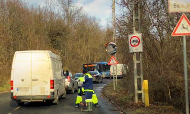 A Budakeszi úton ismét csőtörés nehezítheti a közlekedést