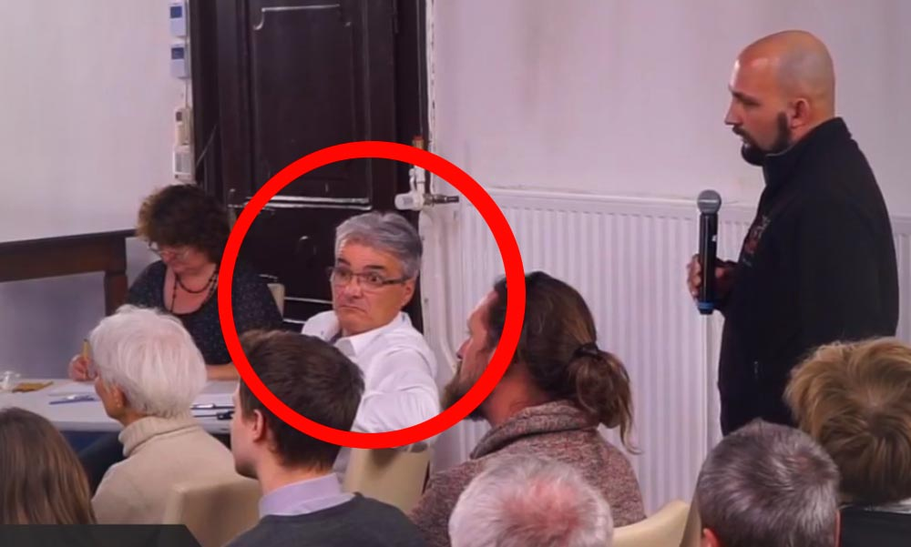 Felemelte szemöldökét a szentendrei polgármester, úgy meglepődött azon, amit mondtak neki
